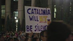 El ` Cataluña no será ` silenciado en un cartel en una demostración