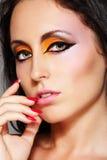 El cauce oriental eyes maquillaje. Mujer del chic del primer Fotos de archivo