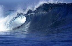 El causar un crash de la onda Foto de archivo