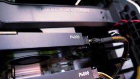 El centrarse de Quadro P4000 a la muestra del puesto de trabajo de Dell Precision en cubierta de la memoria metrajes