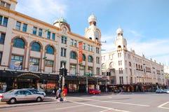 El centro comercial de Broadway es uno del edificio icónico en Sydney que se abrió en 1923 Está situado en suburbio del mes pasad Foto de archivo