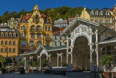 El centro de ciudad de Karlovy varía, República Checa imagenes de archivo