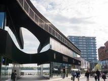 El centro de ciudad moderno de Almere, los Países Bajos foto de archivo
