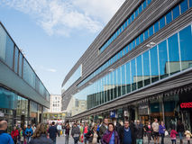 El centro de ciudad moderno de Almere, los Países Bajos Imagen de archivo libre de regalías