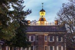 El centro de la ciudad viejo de la casa del estado adentro de Dover fotos de archivo