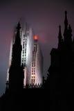 El centro de St Patrick y de Rockefeller en la lluvia Fotos de archivo