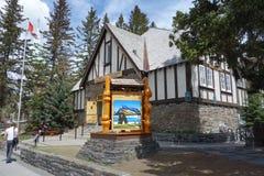 El centro del turismo en banff Imagen de archivo