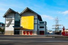 El centro marítimo de la herencia del muelle 7 donde el watercraft histórico se mantiene las colecciones del marítimo nacional au fotografía de archivo libre de regalías