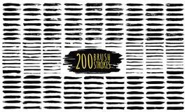 El cepillo frota ligeramente la colección Movimientos dibujados mano del cepillo, movimientos negros de la pintura y líneas de la libre illustration