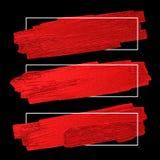 El cepillo rojo alimenta textura en fondo negro con la línea marco Foto de archivo