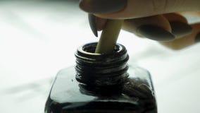 El cepillo y la tinta chinos de escritura Cepillo y tinta Accesorios tradicionales para la escritura caligráfica en chino Foto de archivo libre de regalías
