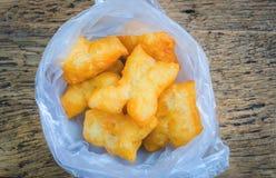 El chino de la visión superior frió los palillos de la pasta en la bolsa de plástico Fotografía de archivo libre de regalías