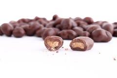 El chocolate cubrió los anacardos Imagen de archivo