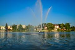 El chorro de agua del lago Imágenes de archivo libres de regalías