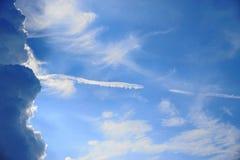 El cielo azul con la nube Imagen de archivo libre de regalías