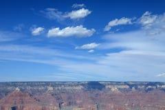 El cielo azul hermoso en Grand Canyon Fotografía de archivo