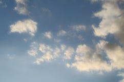 El cielo con las pequeñas nubes Fotografía de archivo libre de regalías