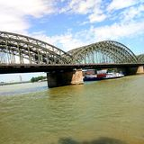 el cielo del agua del puente Fotos de archivo