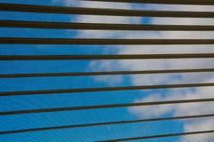 El cielo fuera de la ventana Fotos de archivo libres de regalías