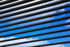 El cielo fuera de la ventana Imagen de archivo
