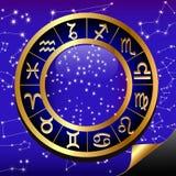 El cielo nocturno y el oro (en) circundan el zodiaco de la muestra Imagen de archivo libre de regalías
