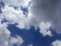 El cielo puede llevar sus agravios imagen de archivo libre de regalías