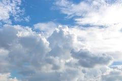 El cielo se nubla el fondo Fotografía de archivo
