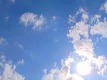 El cielo se nubla fotografía del verano Imagenes de archivo
