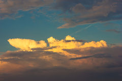 El cielo se nubla la naturaleza al aire libre de la puesta del sol Imagenes de archivo