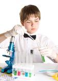 El científico joven fotos de archivo