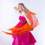 El circundar fácil Chica joven en circundar de la danza Fotografía de archivo libre de regalías