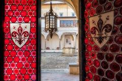 El claustro de la abadía histórica de Passignano Imágenes de archivo libres de regalías