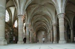 El claustro. Saint-Michel de Mont, Francia Imagenes de archivo