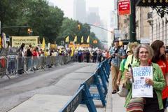 El clima marzo NYC de la gente Imágenes de archivo libres de regalías