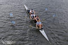 El club de remo de la orilla compite con en el jefe del campeonato Fours de Charles Regatta Men Fotografía de archivo libre de regalías
