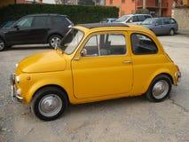El coche amarillo Fotografía de archivo