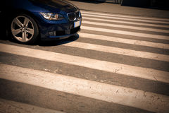 El coche azul Imagen de archivo libre de regalías