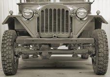 El coche campo a través. Imágenes de archivo libres de regalías