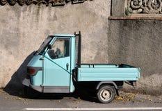 El coche de la vendimia Fotografía de archivo libre de regalías