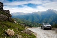 El coche potnryanny en montañas Foto de archivo libre de regalías