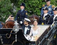 El coche real que lleva al príncipe sueco Carl-Philip Bernadot Imágenes de archivo libres de regalías