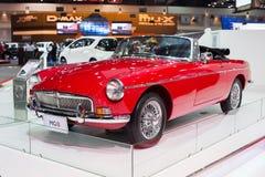 El coche rojo de MG en la trigésima expo internacional del motor de Tailandia el 3 de diciembre de 2013 en Bangkok, Tailandia Imagen de archivo