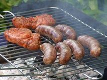 El cocinar al aire libre de la barbacoa Fotografía de archivo libre de regalías
