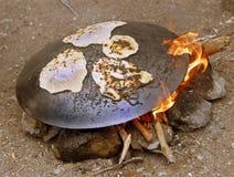 El cocinar al aire libre de Oriente Medio Imagenes de archivo