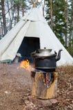 El cocinar al aire libre del agua Fotografía de archivo libre de regalías