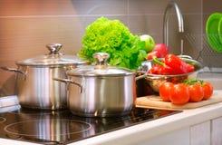 El cocinar de la cocina Foto de archivo libre de regalías