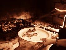 El cocinar de las gambas Imagen de archivo