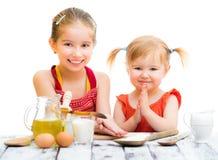 El cocinar de las hermanas Fotos de archivo