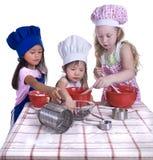 El cocinar de los niños Fotografía de archivo