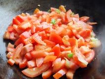 El cocinar de los tomates fotos de archivo libres de regalías